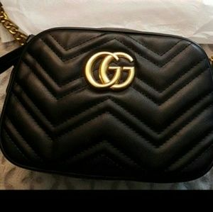 Glamouring lovely cross body bag 😋😋Gucci GG